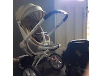 Quinny moodd for sale with car seat