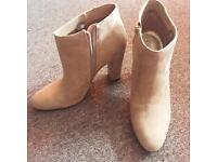 Ladies guess boots brand new
