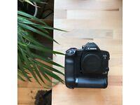 Canon EOS 3 - 35mm film camera inc. PB-E2 Power Drive Booster