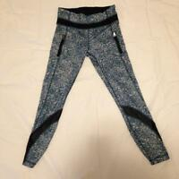 2 pairs of LULULEMON Crops for sale.........EXCELLENT CONDITION