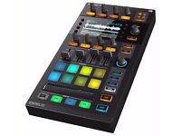 Native Instruments Traktor Kontrol D2 Controller with Visual Display,brand new boxed