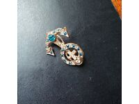 VINTAGE Brooch, Nautical, Turquoise Crystal & Gold Metal