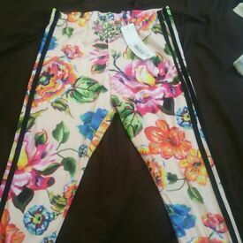 Addids floral leggings brand new size 8