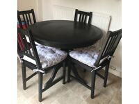 Round Farmhouse Table - Black
