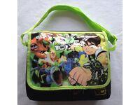Ben 10 - travel bag & action figures