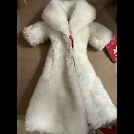 Disney doll white fur coat Cruella villain doll
