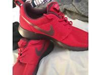 Nike Roshe - Size UK8