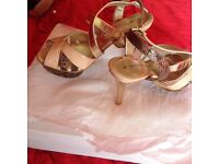 Nude and brown sandal - size 4