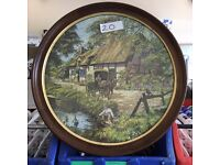 Circle Jigsaw Puzzle In a Beautiful Wooden Frame £20.00