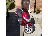 Peugeot kisbee 50cc scooter/moped low mileage 2014