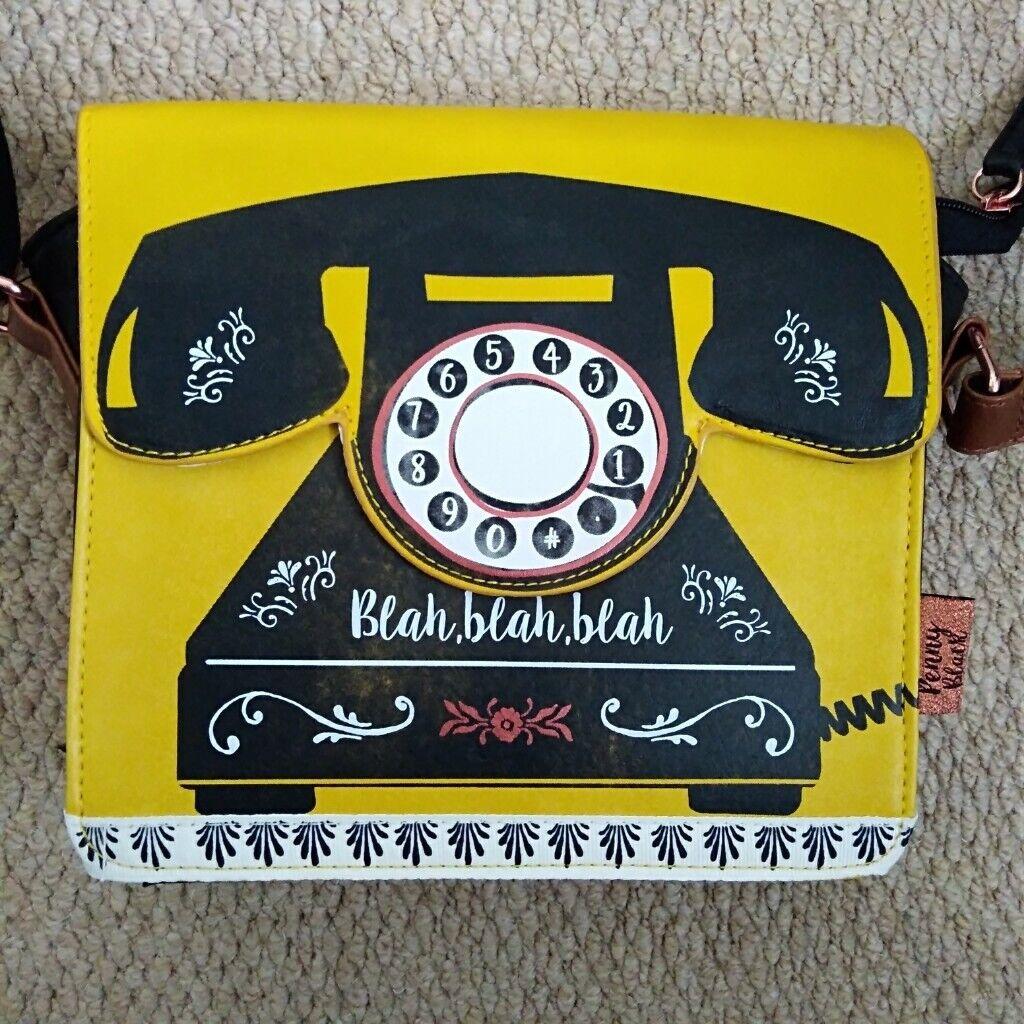 773cd11785b4 Vintage style handbag