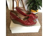 Ladies Fly red leather wedges shoes sandals Sz 6