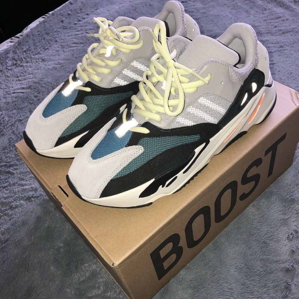 dc15bf4182c4b Adidas Yeezy Wave Runner 700 Size 9