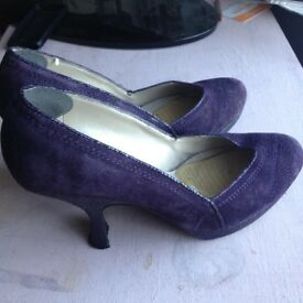 Womens Shoes - sizes 7 and 8.