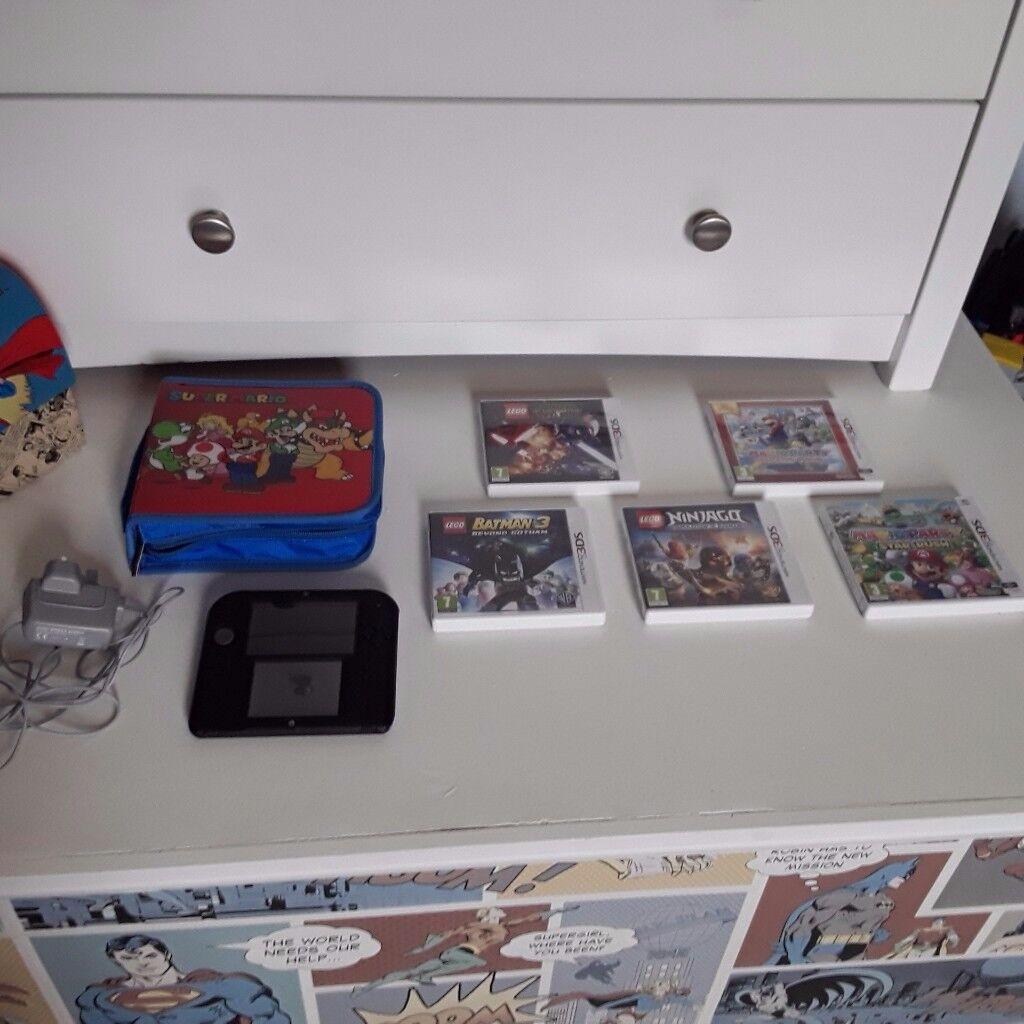 Nintendo 2DS Bundle ***Excellent Condition*** Cost £190