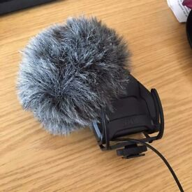 RODE Microphone (VideoMic Pro - Stereo)