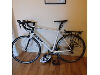 Giant Defy 4 Road Bike With Free Accessories
