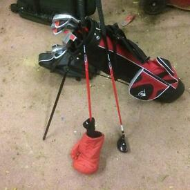 Golf clubs. Suit junior up to 10.