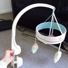 musical cot mobile, looks new