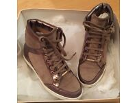 Jimmy Choo Tokyo Trainers - Gold High-Top Size EU35 2.5 size 3