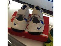 Baby Nike reef 4.5
