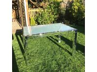 CHROME GLASS EXTENDABLE TABLE WITH 6 CHAIRS