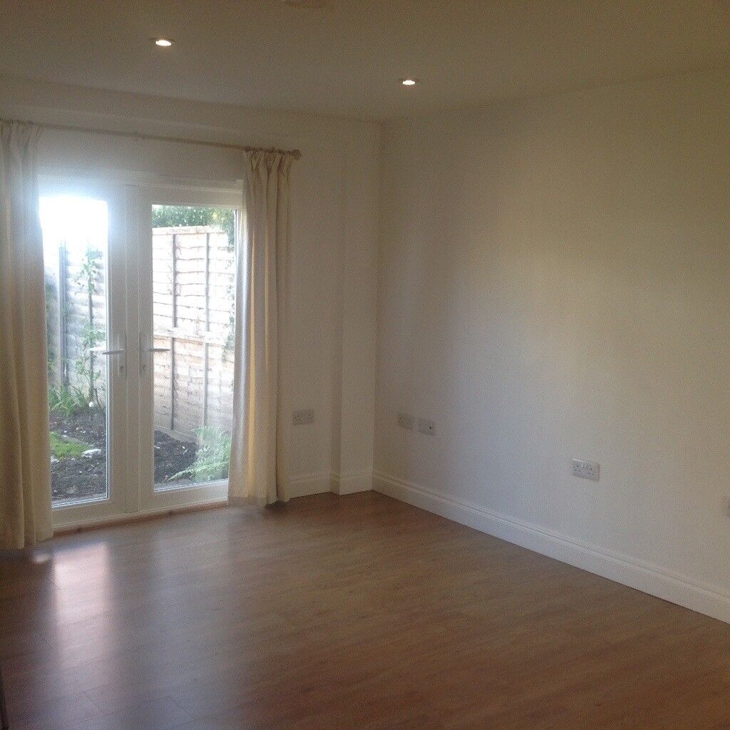 Beautiful studio apartment for rent, modern and clean, in lovely quiet location,