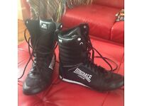 Brand new, Lonsdale unisex boxing boots, size 6. Worn once indoors