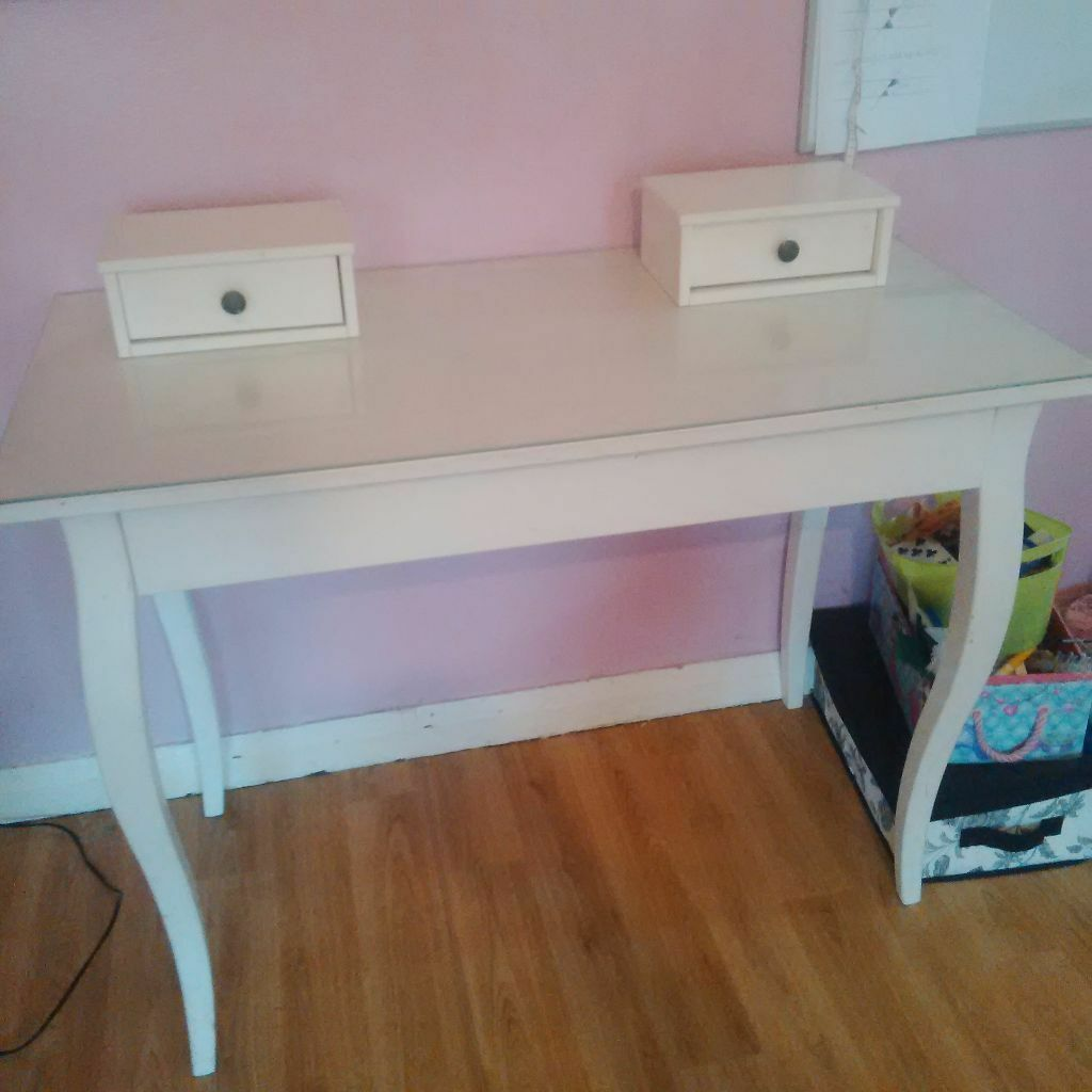 Ikea white hemnes dressing table no mirror in for Ikea hemnes vanity table