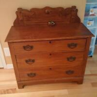 Commode antique_chambre a coucher