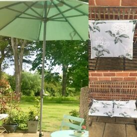 Parasole , outdoor cushion pads and base