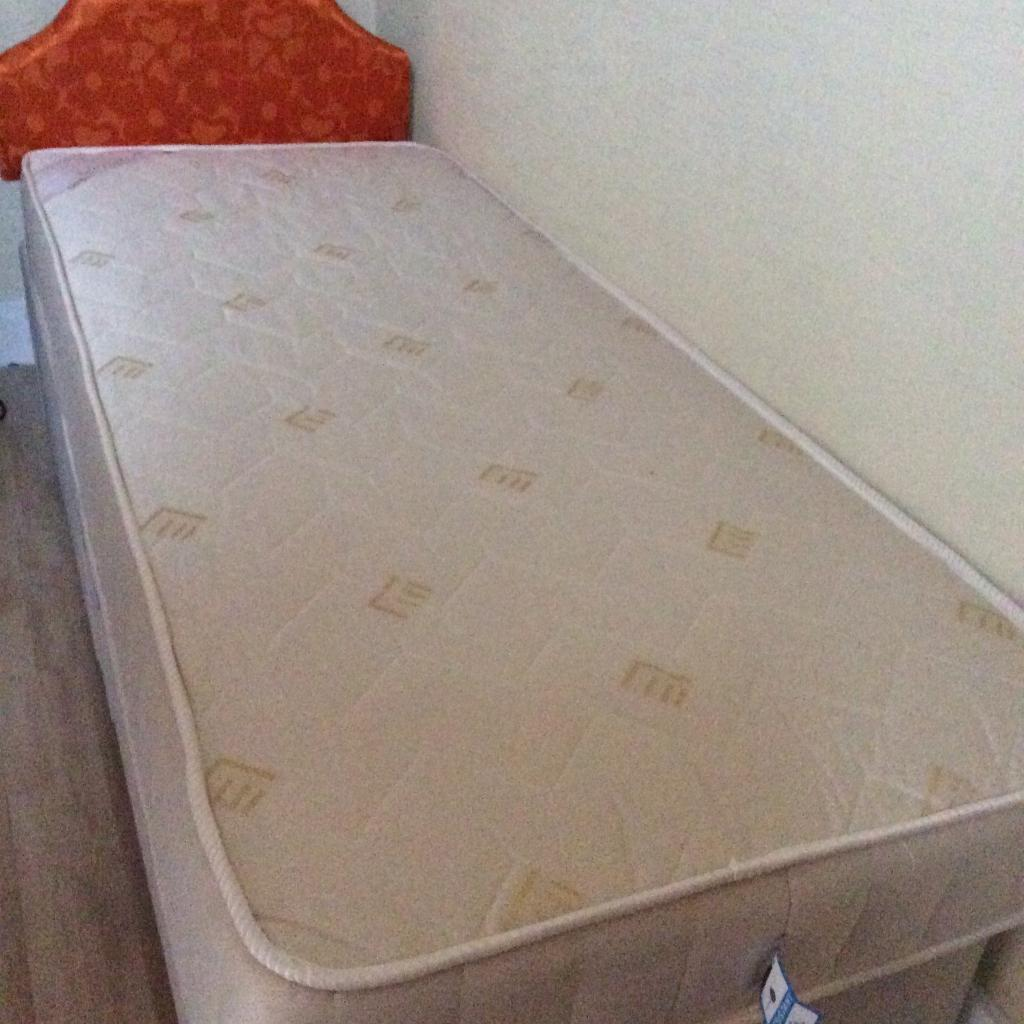 2ft 6inch divan base & mattress &. headboard