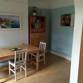 Double room in professional household for rent