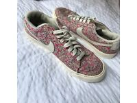 Nike Liberty print limited edition trainers size 7