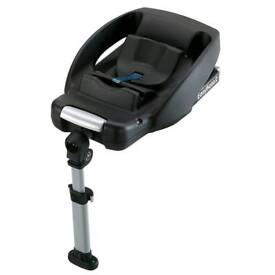 Maxicosi Cabriofix seat and Easy base 2