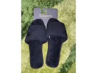 BRAND NEW BLACK SLIPPERS