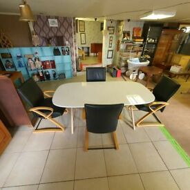 Dalshult Ikea High Gloss Table with 4x Senator Leather Chairs