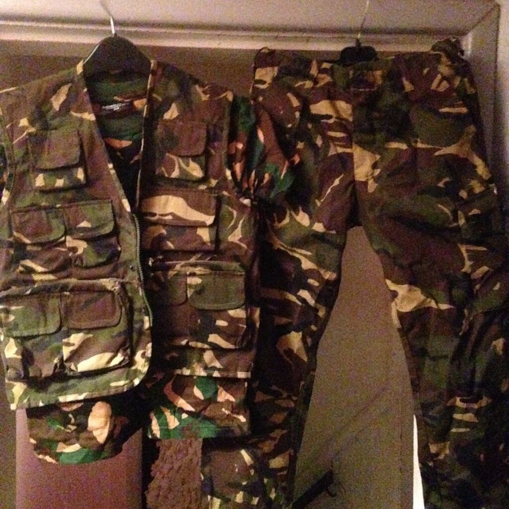 Boys army outfit excellent condition