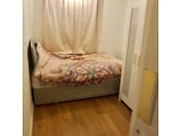 Newly refurbished single room *ideal location*