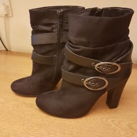 Ladies black suede ankle boots size 6