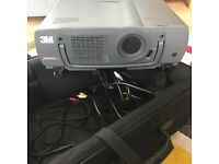 3M PROJECTOR MP8630 with spare lamp