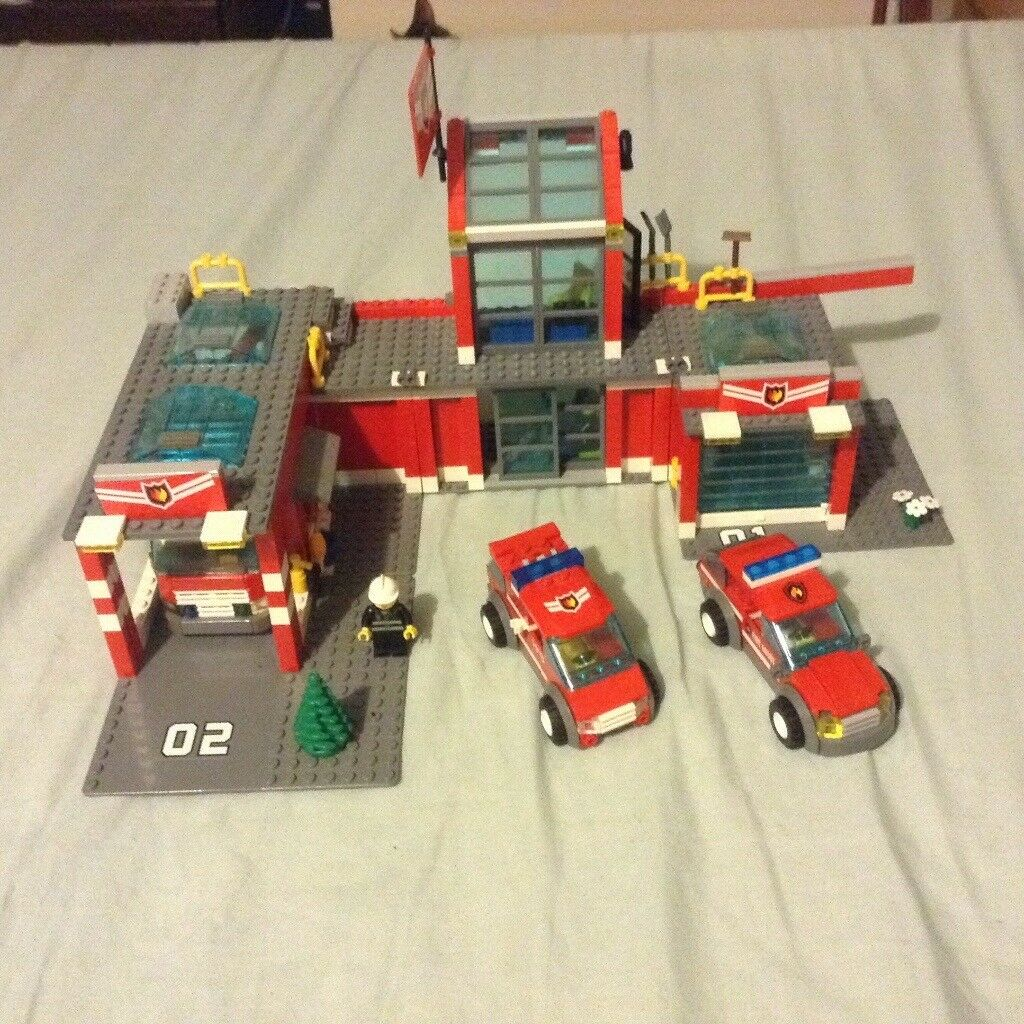 Lego Fire Station 7945 In Wilton Wiltshire Gumtree