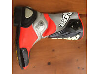GEARNE PRO-TEK SPORTS LADIES MOTORCYCLE BOOTS, USED IN EXCELLENT CONDITION, HI-VIS, LOVELY LOOKING.
