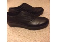Women's black leather shoes - wide fit - size 39 as new