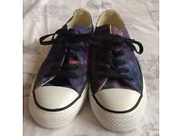 Purple and blue converse size 5