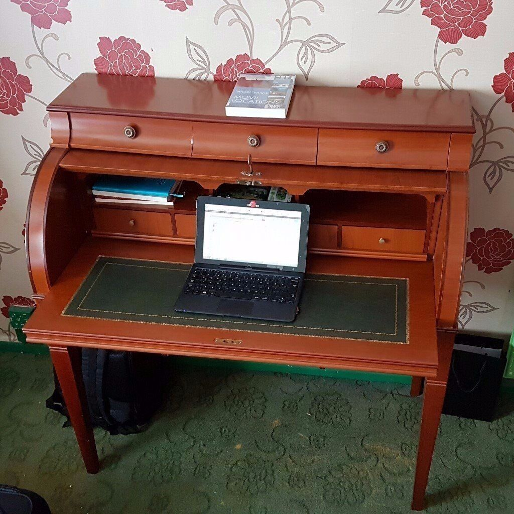 Antique Style Roll Top Desk With Green Leather Inlaid Pull Out And Drawer