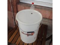 Home Brew Beer/Wine Fermentation Bucket, Lid and Airlock - 25 Litres [homebrew]