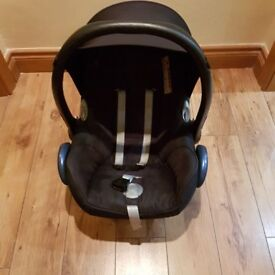 Maxi cosi car seat ad base ,cot,adapters and Angel monitor