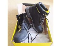 NEW Dunlop safety shoes size 8