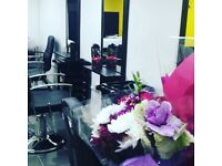 Lady beautician required in Luton Full time or Part time